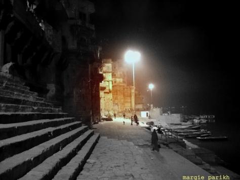 Walking towards Dashashvamedh Ghat